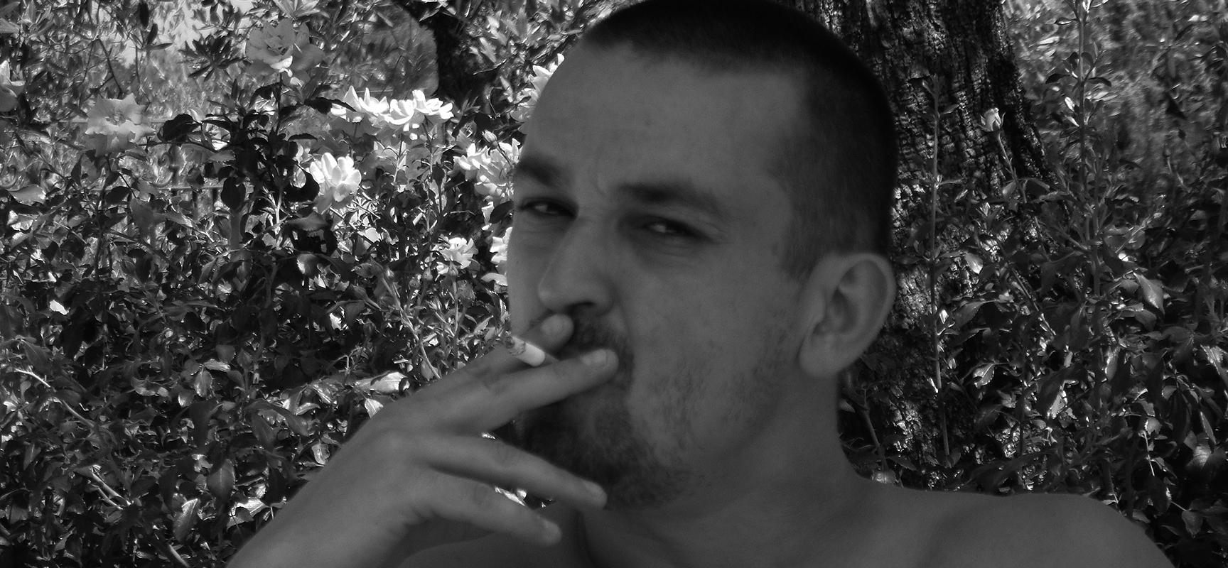 vapoteur arr ter de fumer avec une cigarette lectronique. Black Bedroom Furniture Sets. Home Design Ideas